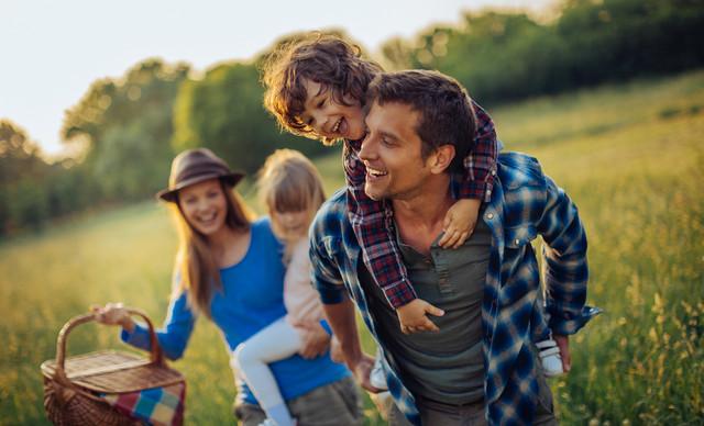 Οι 4 Τύποι Γονέων: Eσύ σε ποιο τύπο ανήκεις και τί μπορείς να μάθεις από τους άλλους;
